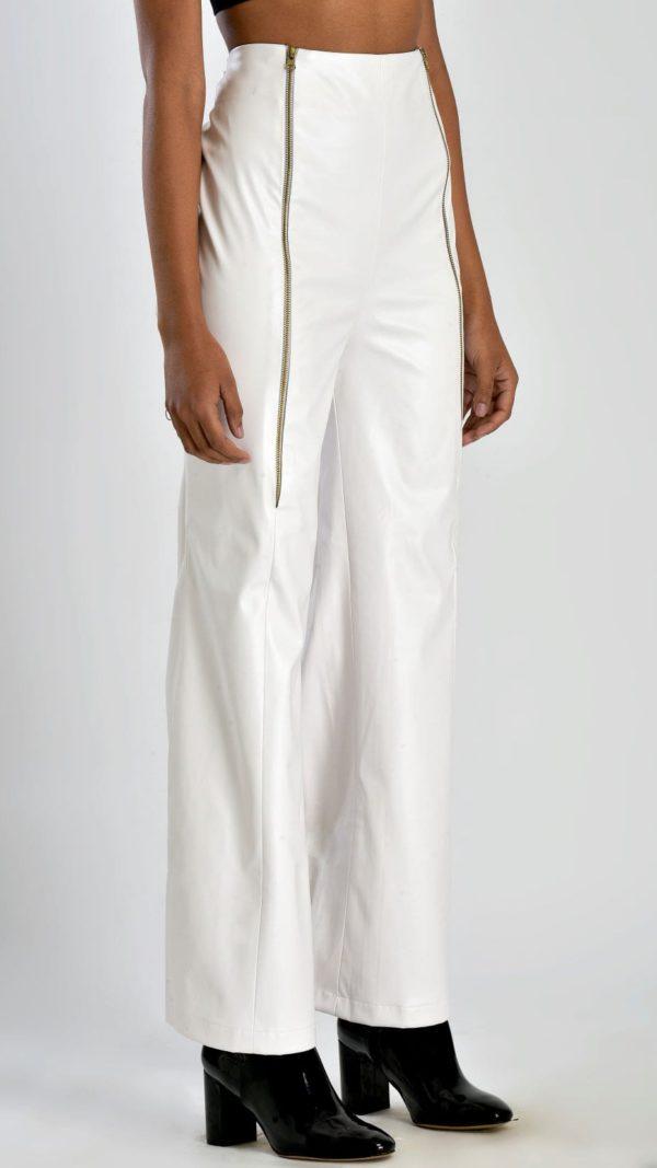 STOREAT44   Best Black & White Clothing Brand   31