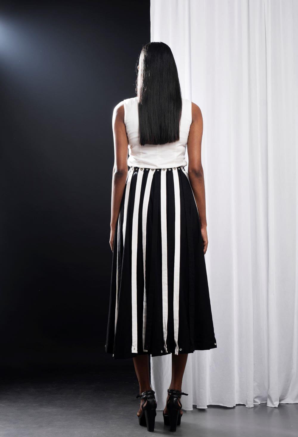 STOREAT44   Best Black & White Clothing Brand   5
