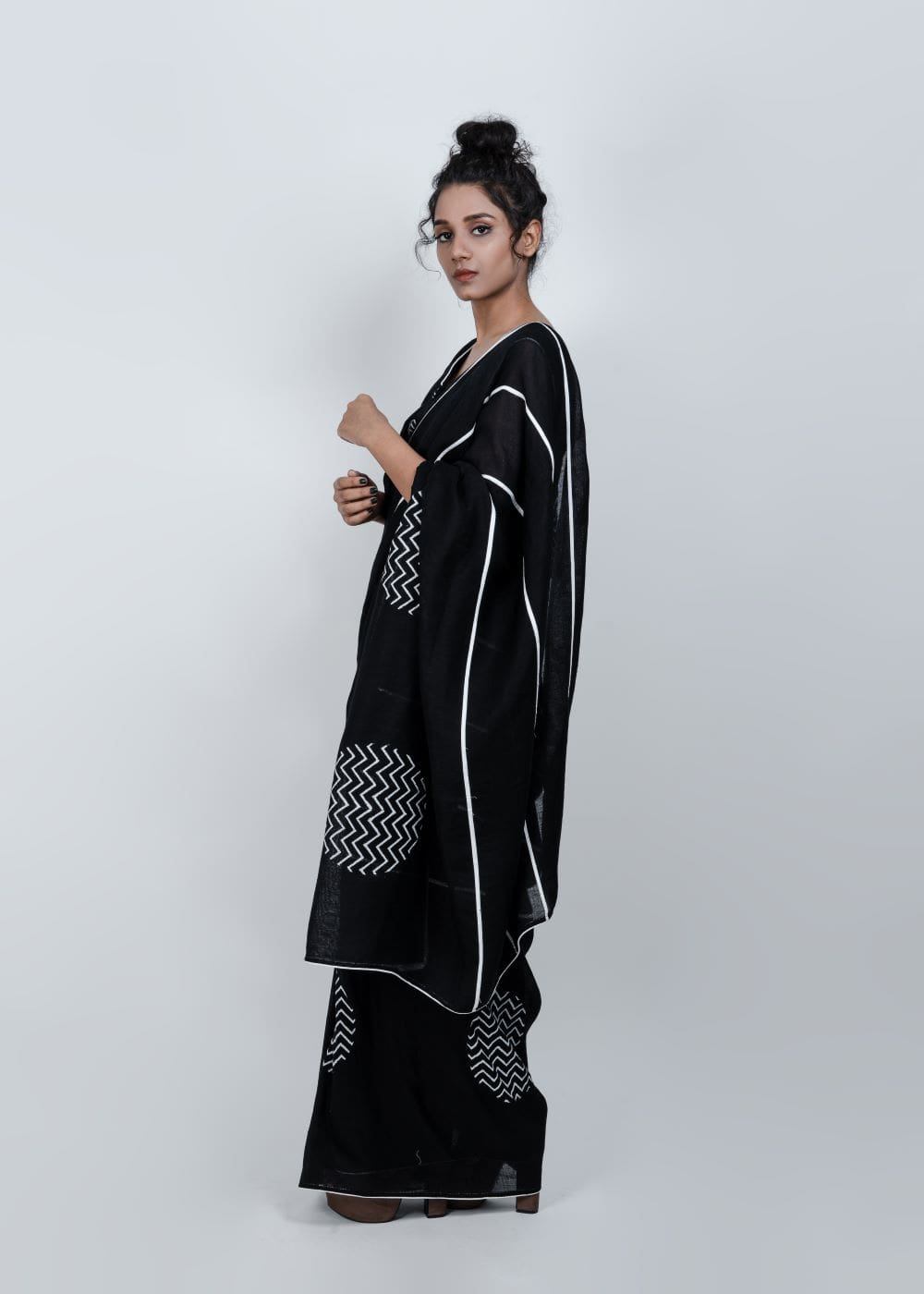 STOREAT44   Best Black & White Clothing Brand   2